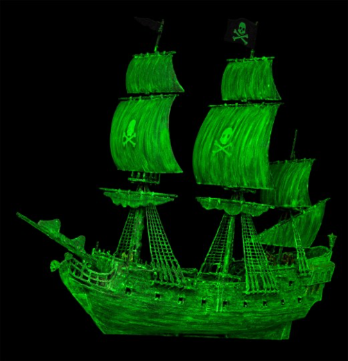"Ghost Ship ""Glow in the dark"" 1/150 easy-click system"